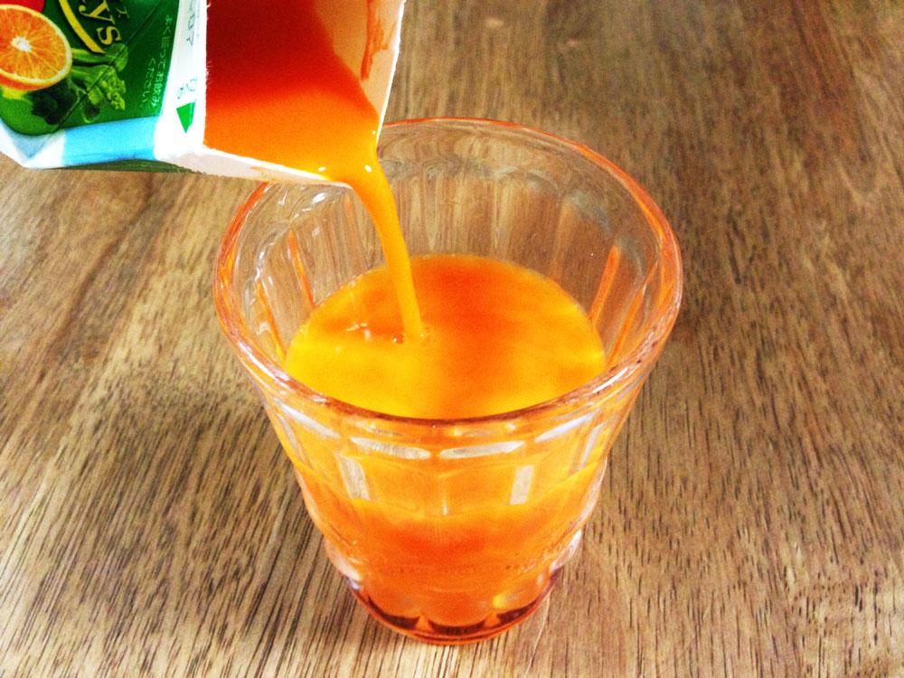 野菜ジュースで野菜不足を補う